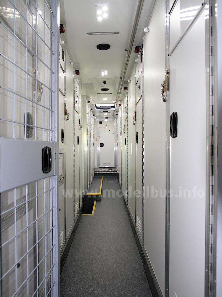Zellengang Gefangenentransport GTO - modellbus.info