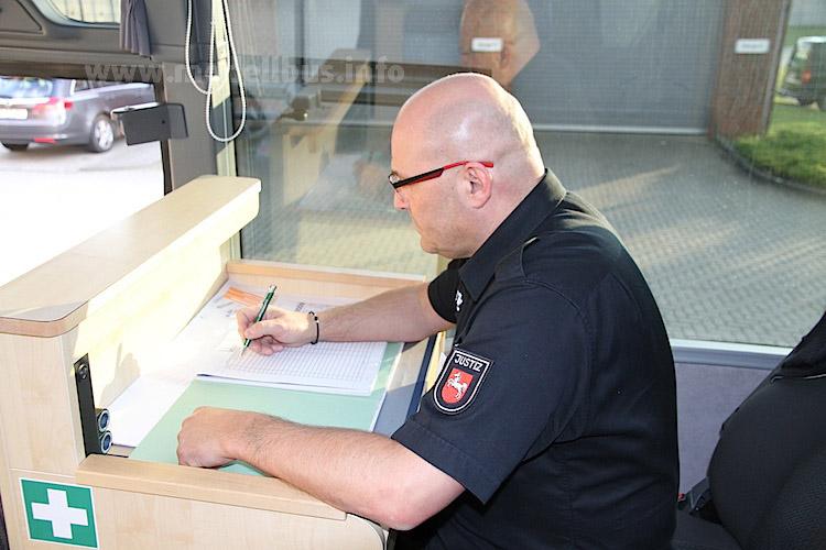 Arbeitsplatz Gefangenentransport GTO - modellbus.info