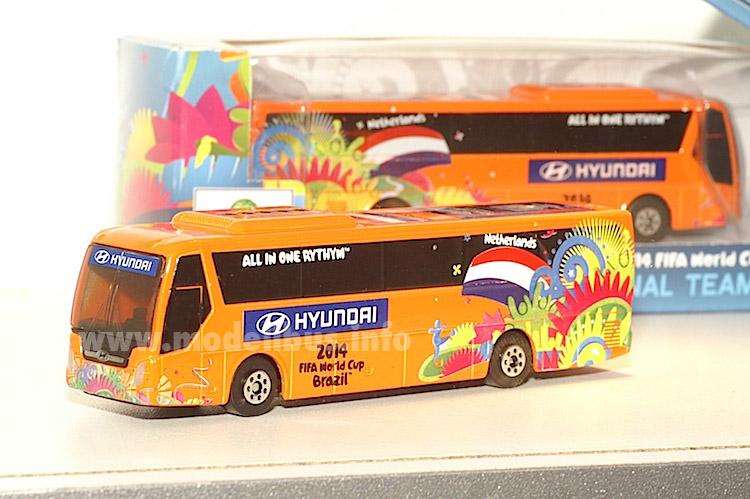 Spielzeugautos Fussball Wm 2014 National Elf Team Bus